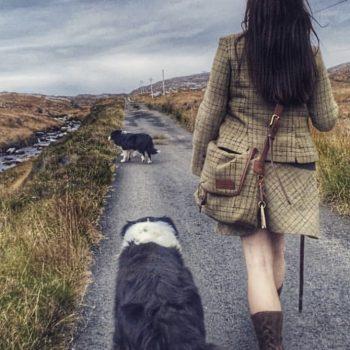 Walk with the shepherdess Happy Days